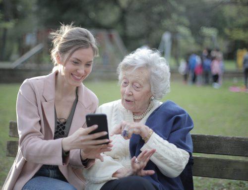 Brecha digital y alfabetización digital en las personas mayores